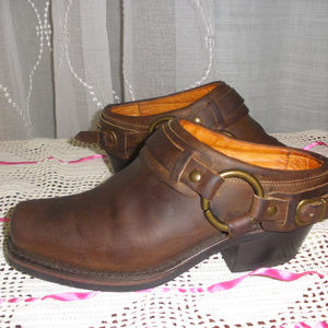 FRYE 7060 Harness Brown Leather Mules Clogs 6